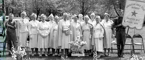 Group photo of American Gold Star Mothers